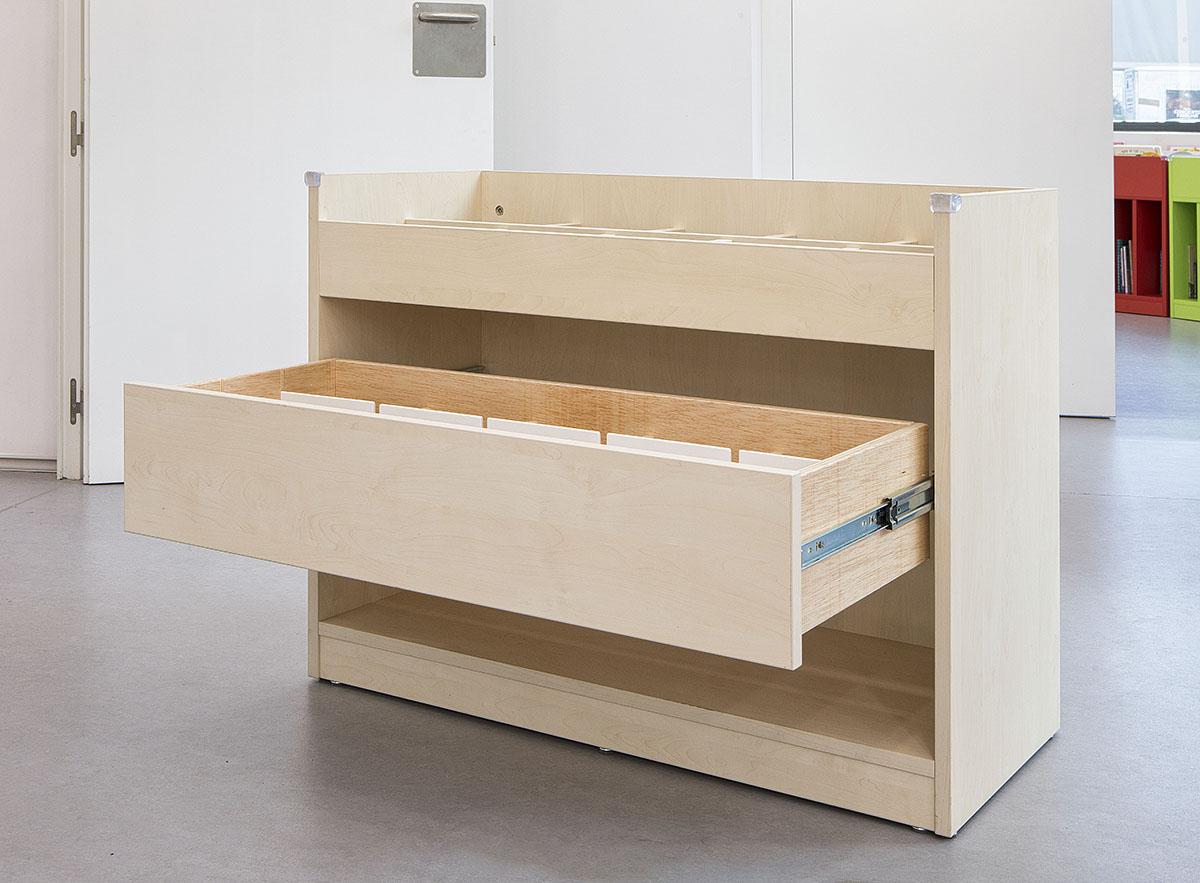 Expositor de medios audiovisuales de madera