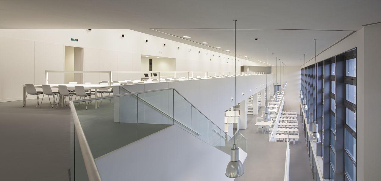 Biblioteca y Salas de Estudio del Edificio de Servicios Generales del Campus de Ciencias de la Salud, Universidad de Granada