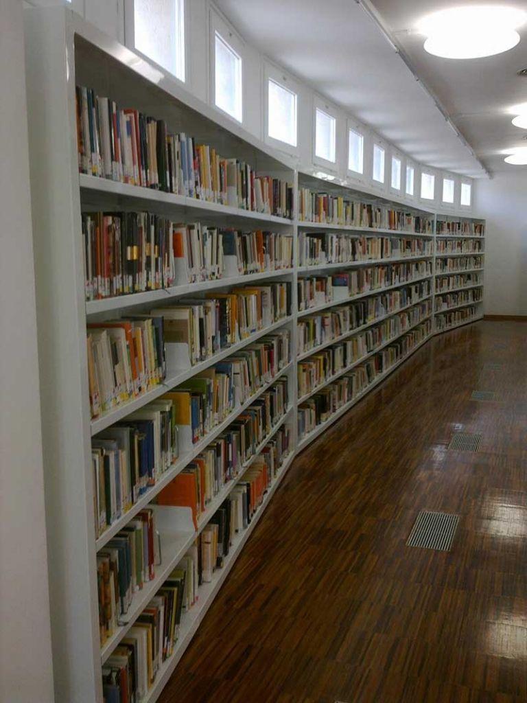 Biblioteca Central Comarcal de Tàrrega (Lleida)