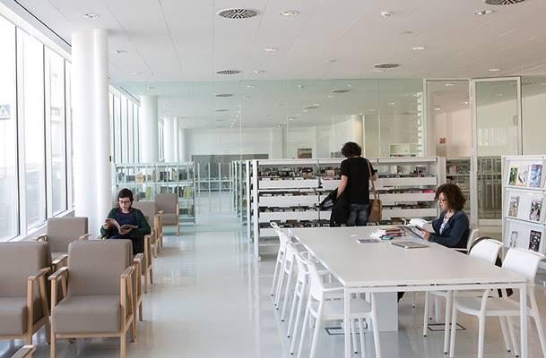 Biblioteca Mont-Àgora, Santa Margarida de Montbui (Barcelona)
