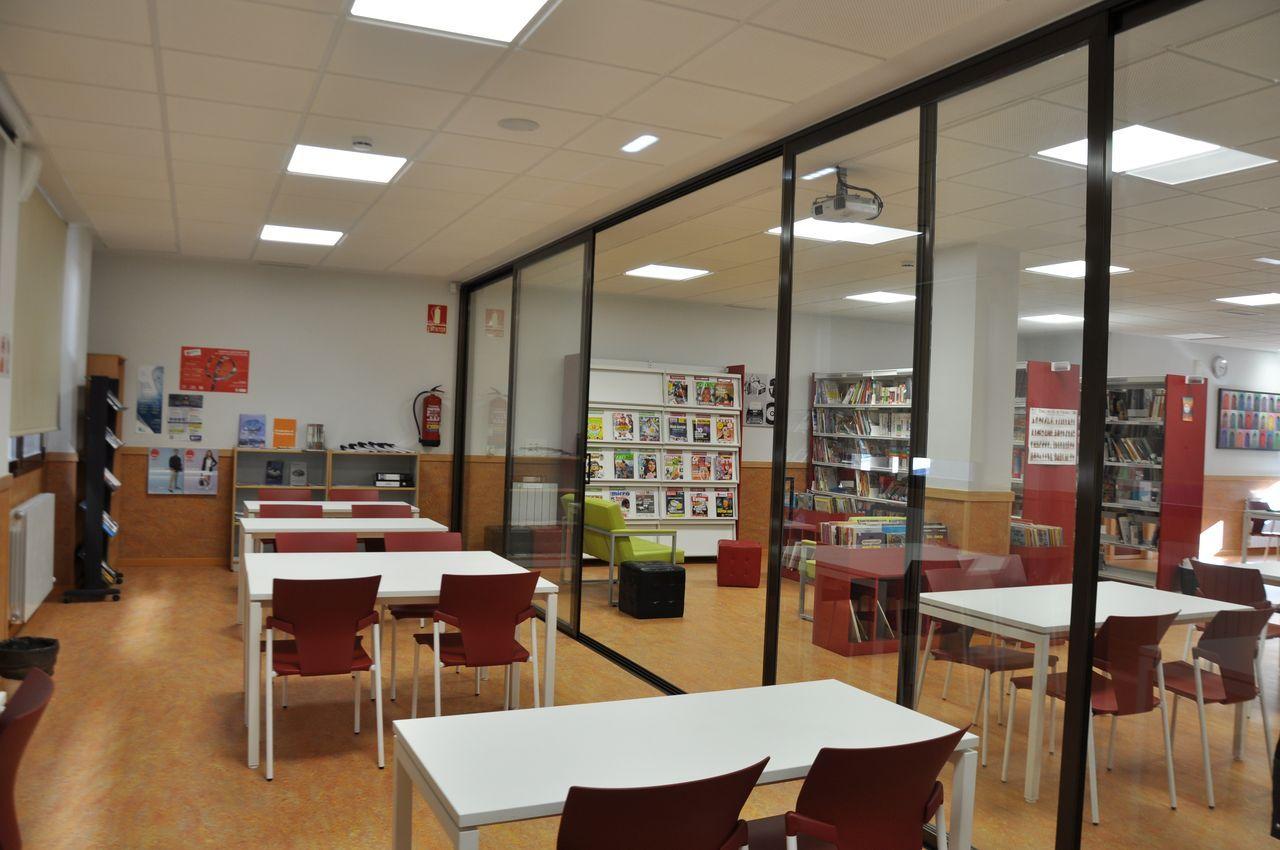 Biblioteca del Lyceé Molière, Zaragoza
