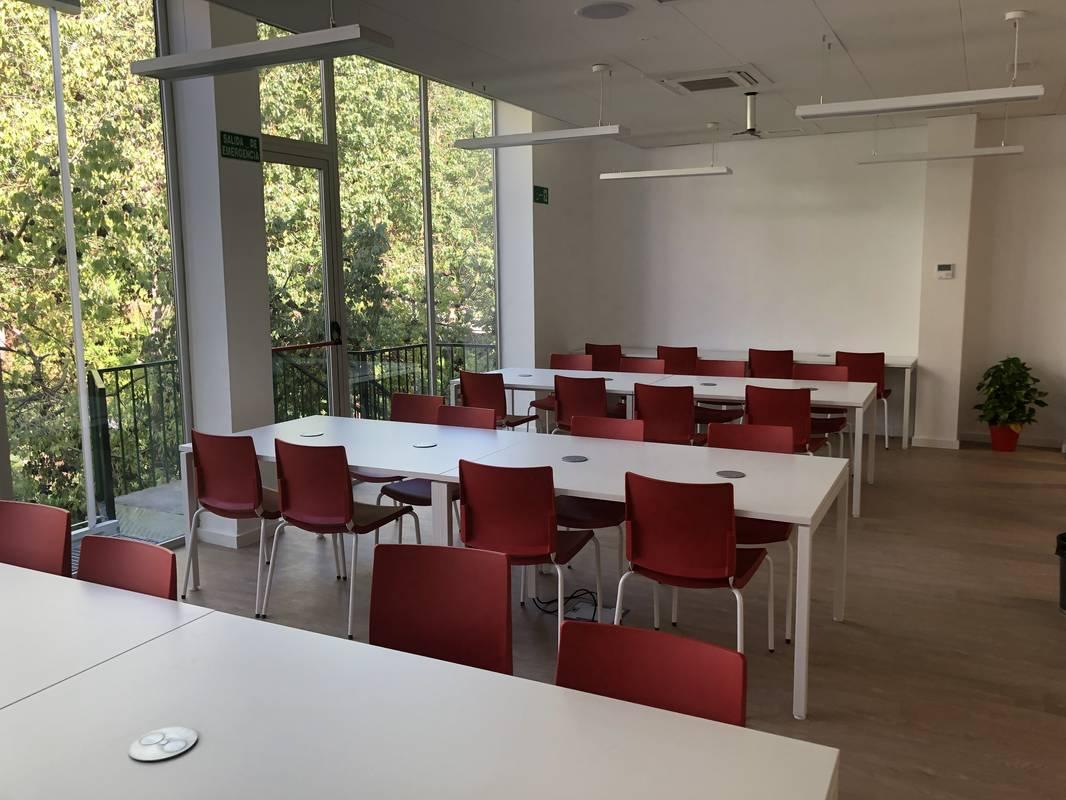 Biblioteca Tomas Garcia de Álora (Málaga)