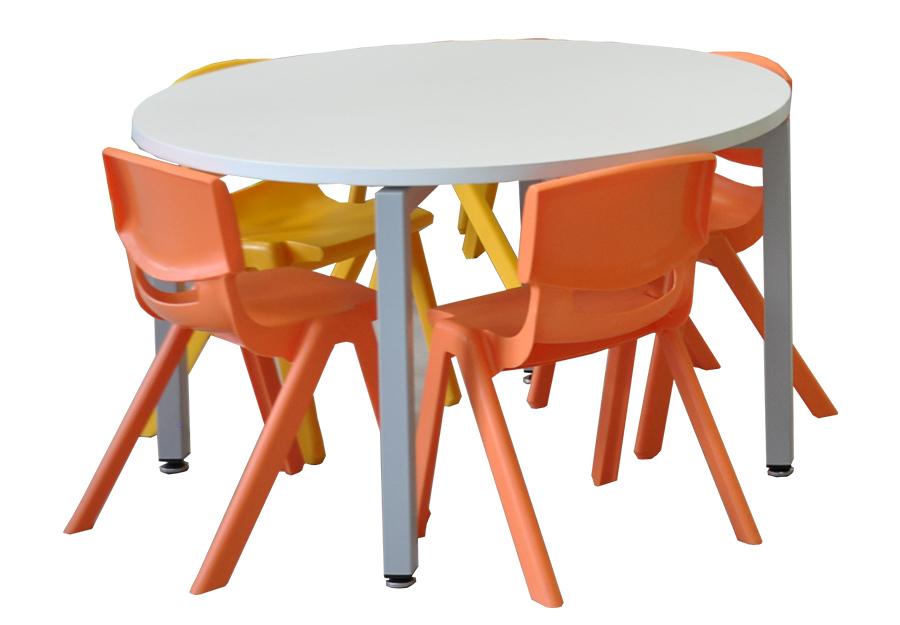 Tolstoi children's table